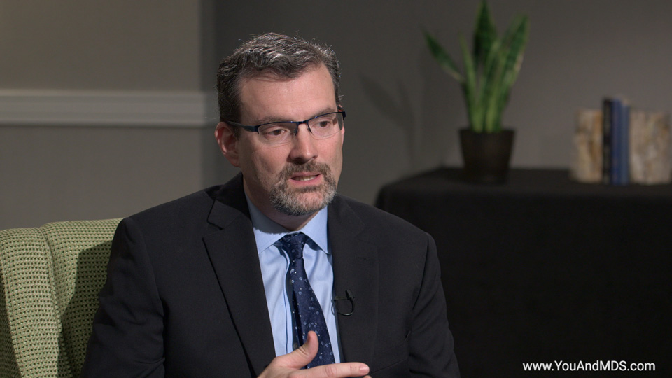 What are the goals of treatment for MDS-related anemia?